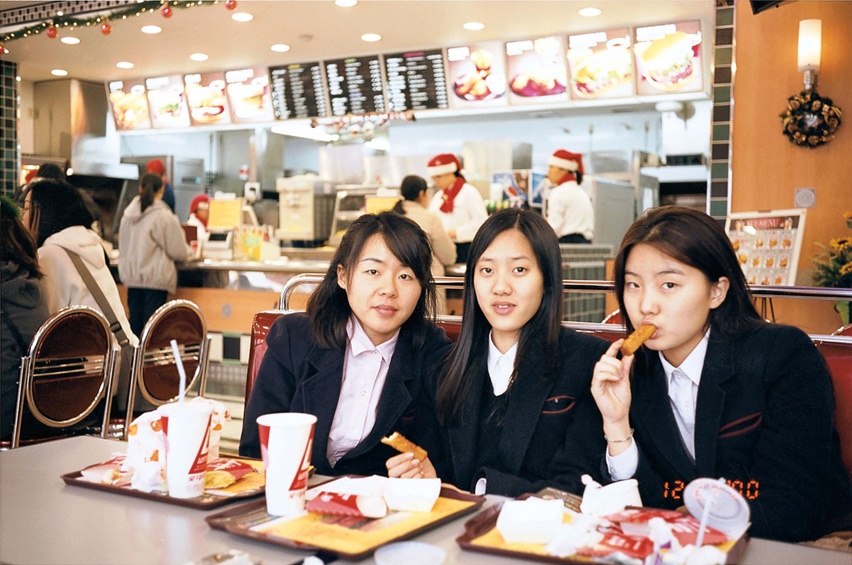 Schoolgirls_13.jpg